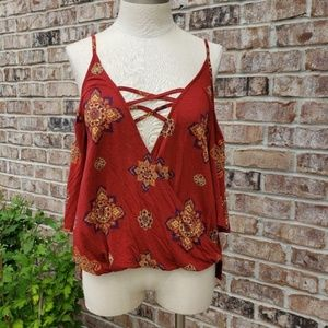 NWT Sun & Shadow Strappy Cold Shoulder Wrap Top M